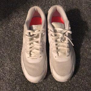White Nike Air Max